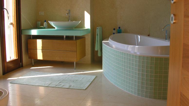 Realizzazione bagni - Pavimentazioni e rivestimenti
