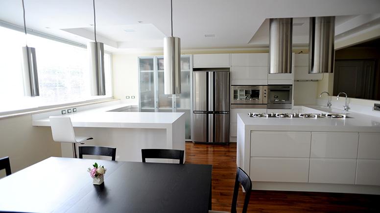 Ripiani per cucina in marmo e altri materiali - Top cucina materiali ...